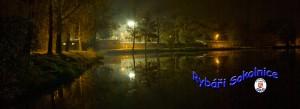 Noční panorama rybníku Na návsi