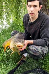 Kapr 83 cm, chycen 17.5.2015 Michalem, vrácen zpět do rybníka